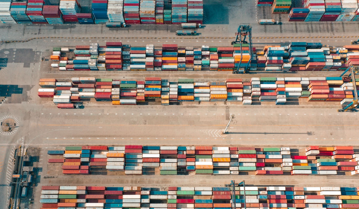 Blockchain in Supply Chain Management - Infinite X - Unspash @serjosoza